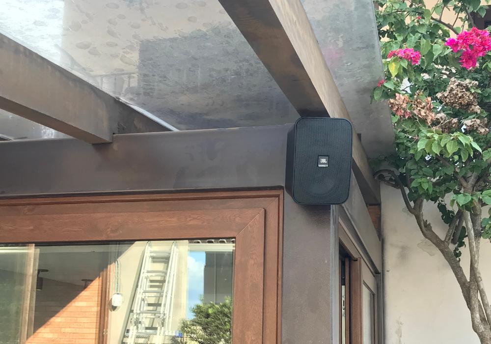 Caixa de som embutida no gesso ou presa na parede? Qual a melhor?   Audio Prime