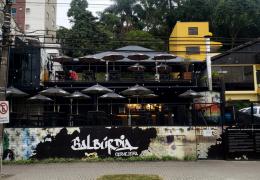 Obra e instalação de som ambiente em bar ou restaurante